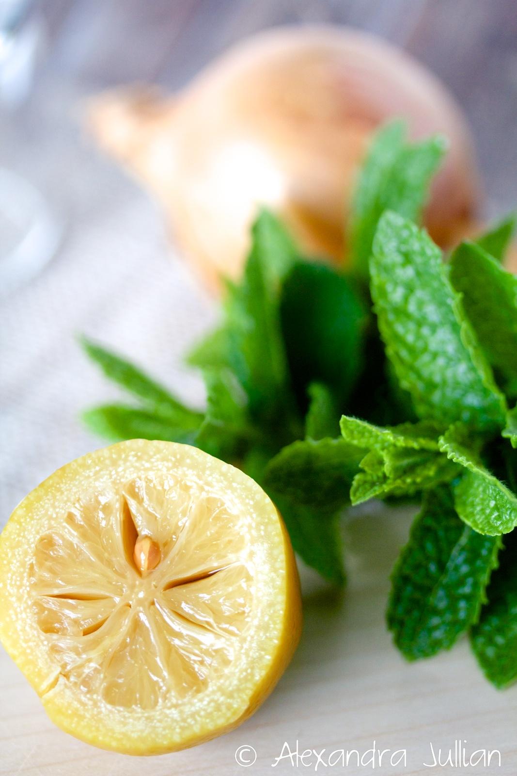 Salade fraîche de poix chiches à la menthe et au citron confit